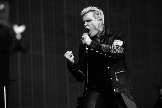 Billy Idol by Roger Ho